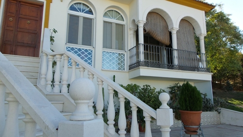 decorative-balustrade-railing-durable-interior-stair-parts-eco-friendly-outdoor-stair-railing-turned-balusters_3